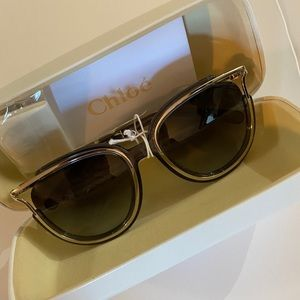 CHLOE JAYME SUNGLASSES NEW with HARD CASE!
